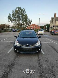 Renault Clio 197 sport hatchback 2 litre manual fiesta st vxr 200 track gti